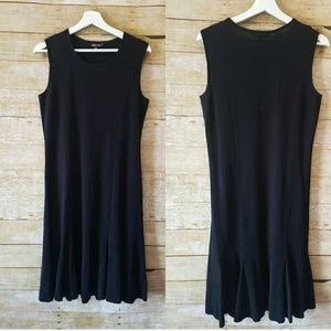 Misook Sleeveless Classic Black Minimalist Dress